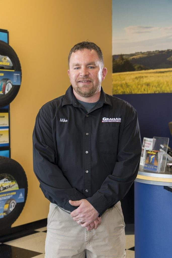 Manager of shop that offers tire repair in Lincoln, NE